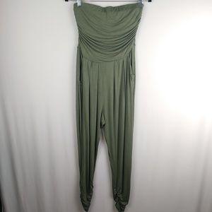 Heart & Hips Strapless Comfy Jumpsuit Size Large